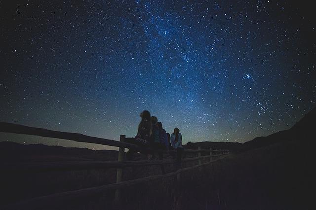 Hymne à la nuit noire: Sauvons les étoiles!